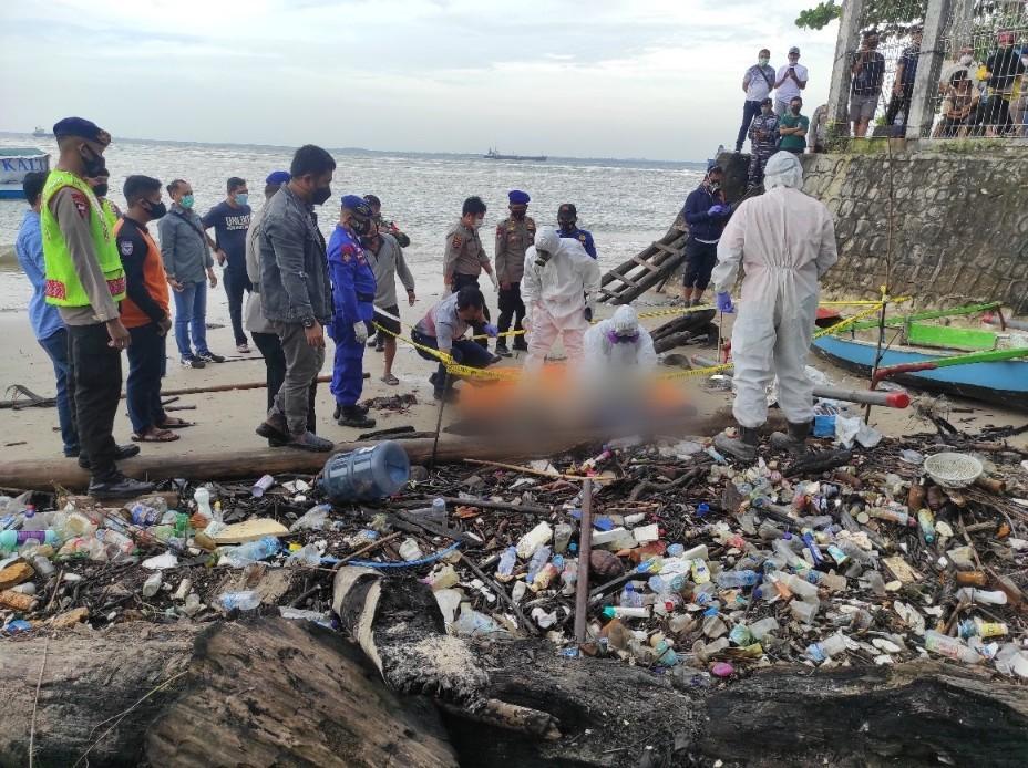 Jasad Mr X Di Pantai Semayang TeridentifikasI, Hilang Saat Perjalanan di Kapal