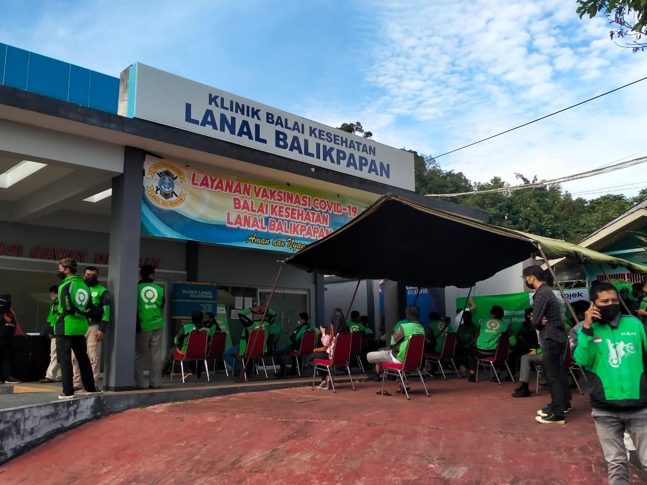 Ratusan Ojek Serbu Pangkalan TNI AL Balikpapan