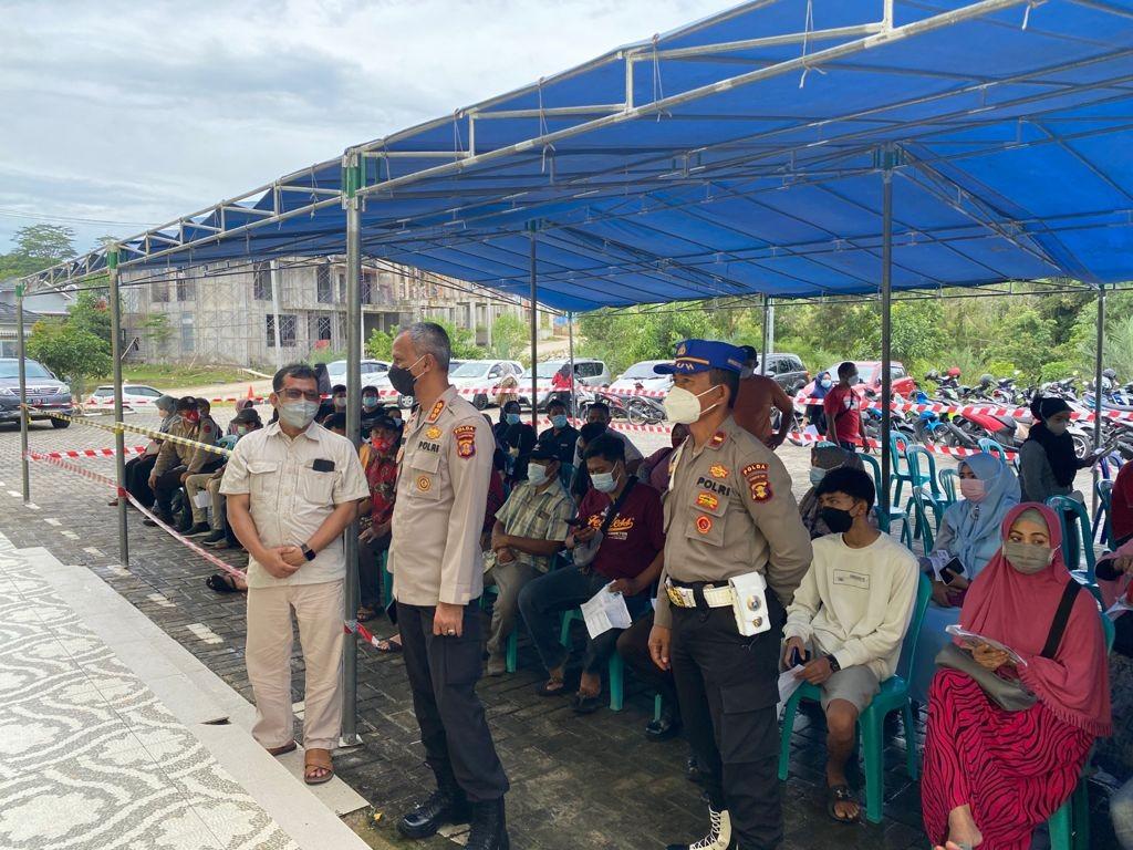 Kampus Polri Peduli Dukung Percepatan Vaksinasi, Kepala SPN Tinjau Pelaksanaan di Balikpapan Regency