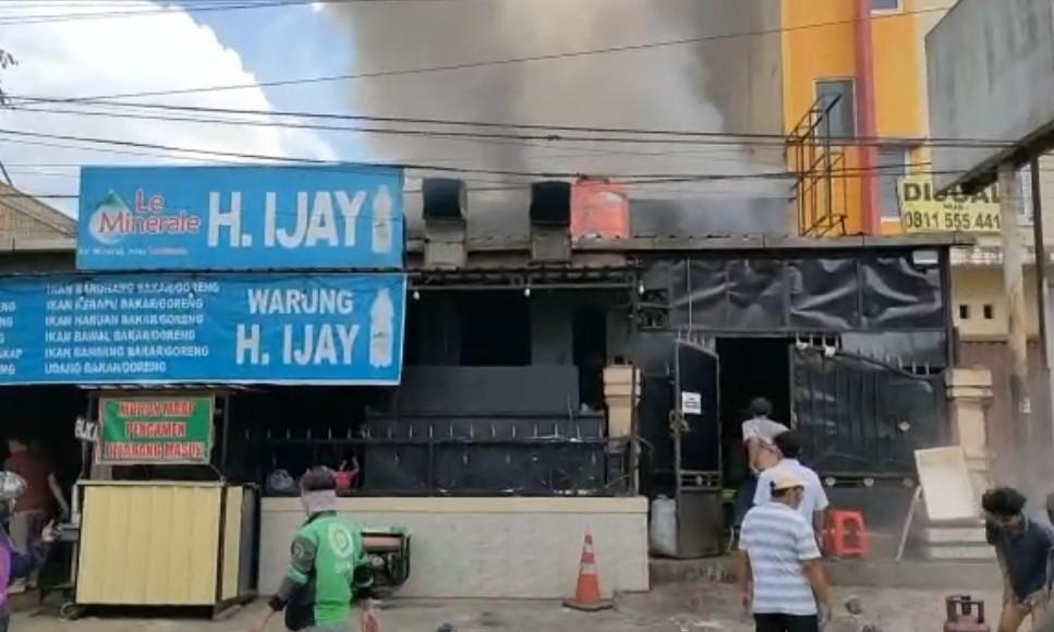 Rumah Makan H Ijay di Samarinda Terbakar, 14 Karyawan Alami Luka Bakar